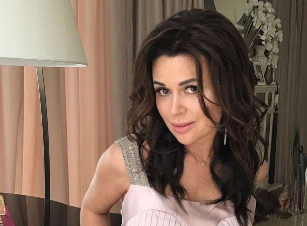 Татьяна Тарасова тепло поздравила Анастасию Заворотнюк с юбилеем