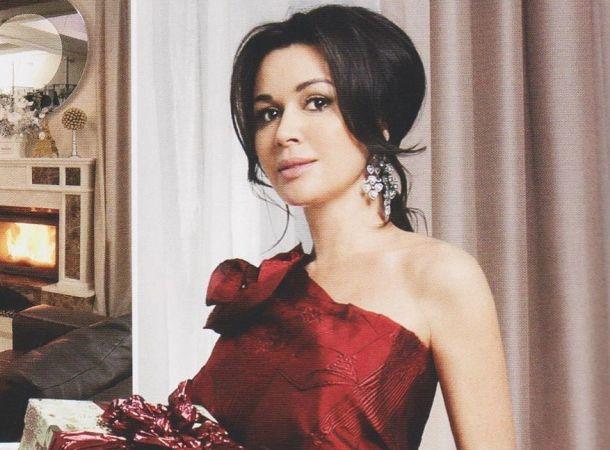 Бывший муж Анастасии Заворотнюк сообщил, что она чуть не умерла во время первых родов