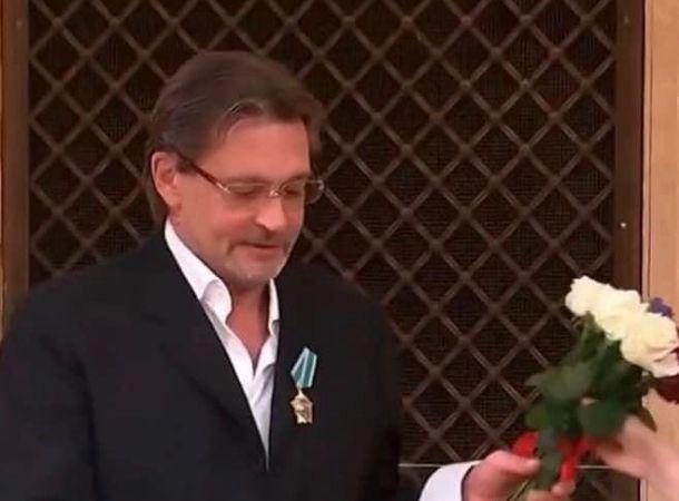 Александр Домогаров упомянул о сестре, умершей вскоре после рождения