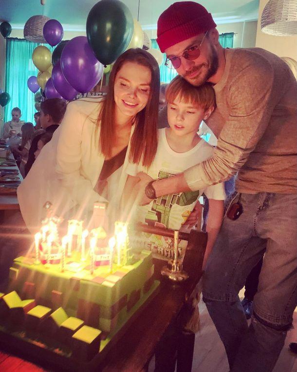 Елизавета Боярская и Максим Матвеев показали старшего сына в честь его праздника