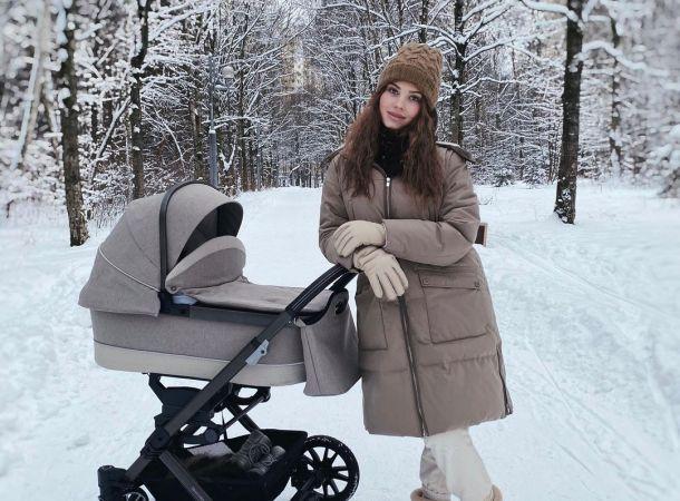 Молодая мама Лиана Шульгина примерила стильный костюм