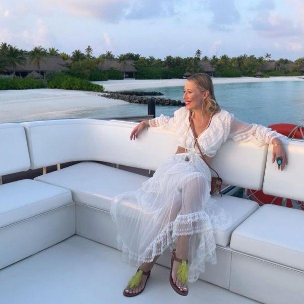 Ксения Собчак прилетела на работу на Мальдивы