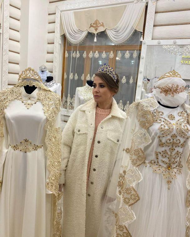 Юлия Барановская примерила свадебное платье