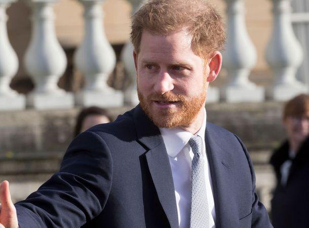 Королева Елизавета спасла принца Гарри от позора