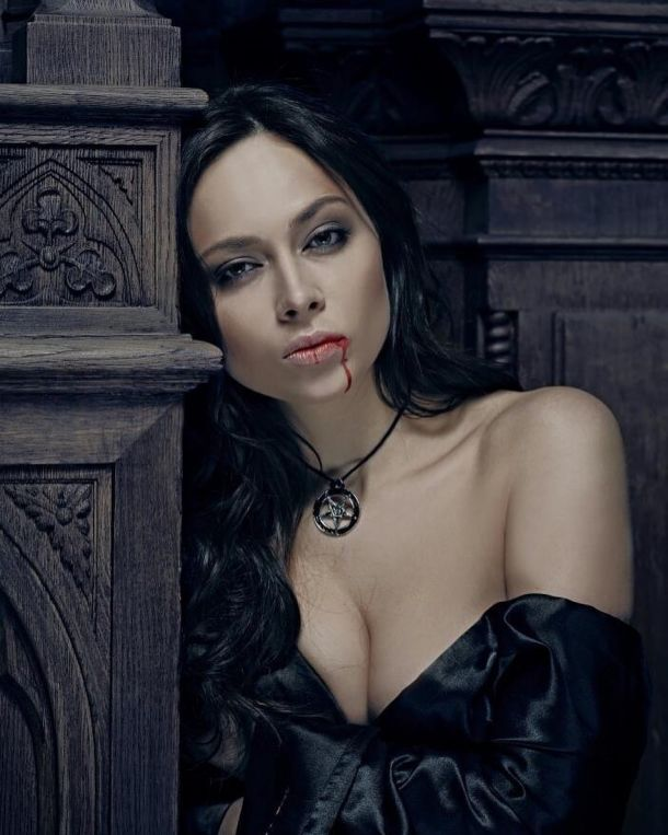 Настасья Самбурская назвала причину своего отчисления из МХАТа