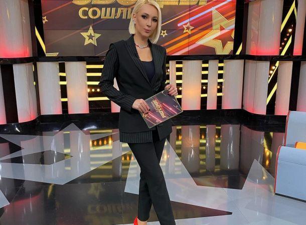 По совету эксперта Лера Кудрявцева примерила стильные, но непрактичные брюки