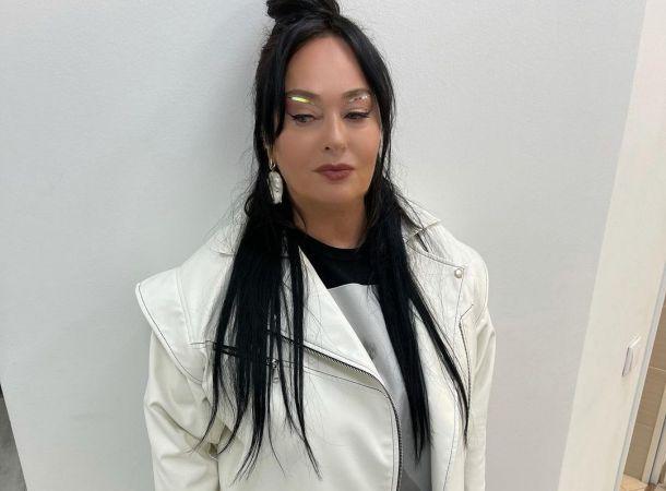 Лариса Гузеева с длинными волосами резко помолодела