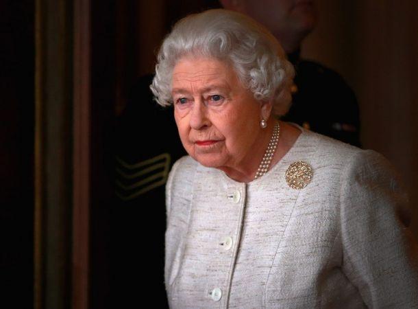 Елизавета II передала часть полномочий сыну
