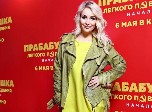 Дочь Валентины Легкоступовой начала карьеру певицы