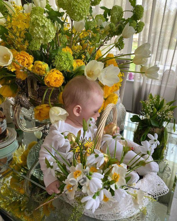 Яна Рудковская больше не скрывает младшего сына