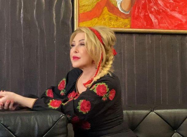 Любовь Успенская в мини-шортах зажгла на концерте друга