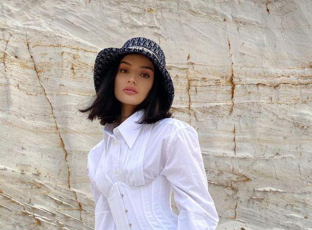 Дина Саева считает Никиту Михалкова поэтом и не знает, кто такой Игорь Крутой