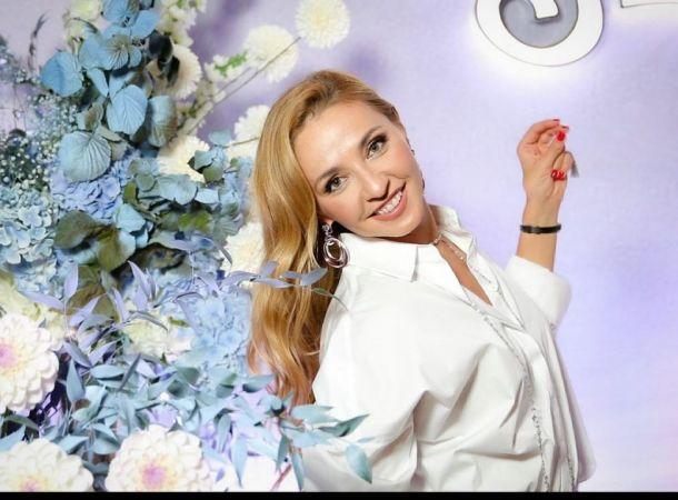 Татьяна Навка показала двух дочерей от разных браков