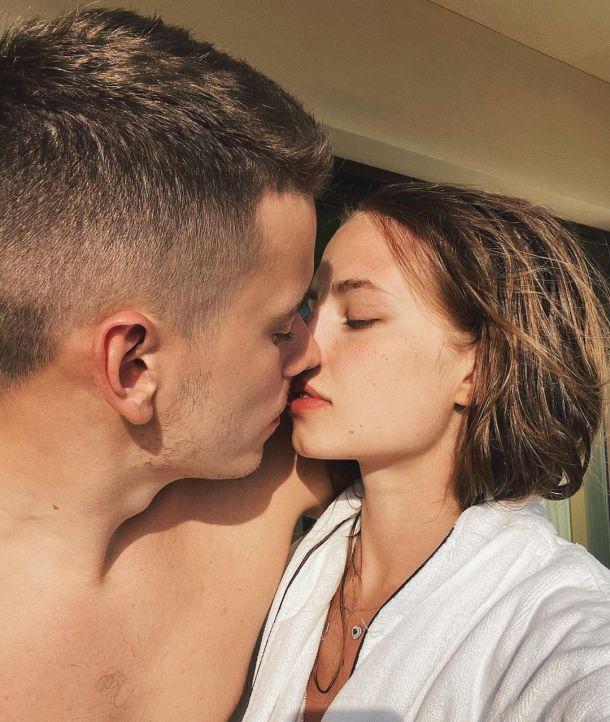 Невестка Валерии озадачила россиян неуместным снимком в честь Дня Победы