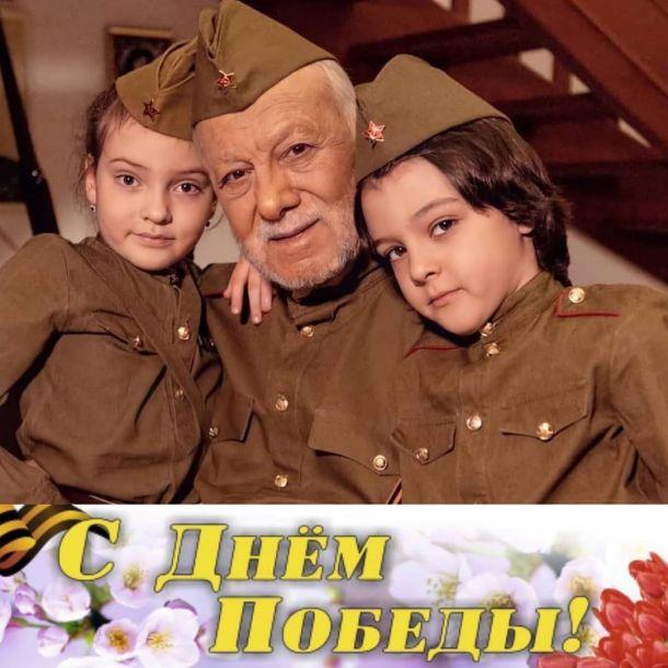 Филиппа Киркорова пристыдили из-за военной формы для детей