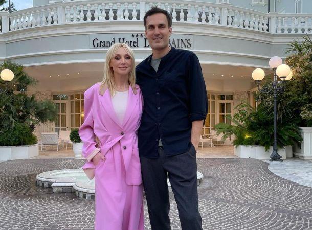 Кристина Орбакайте возмутила публику, снявшись с мужем у роскошного отеля