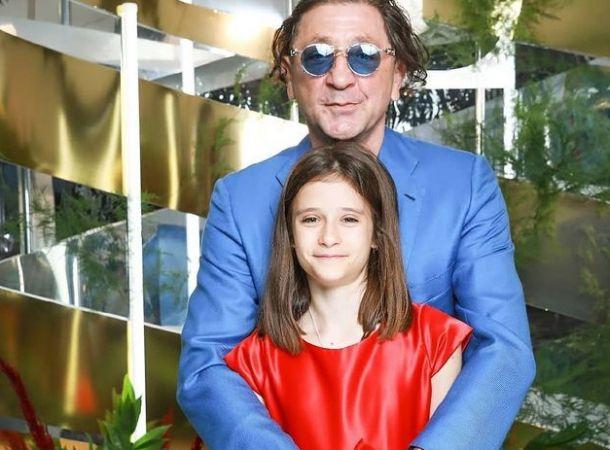 Григорий Лепс поздравил младшую дочь с 14-летием