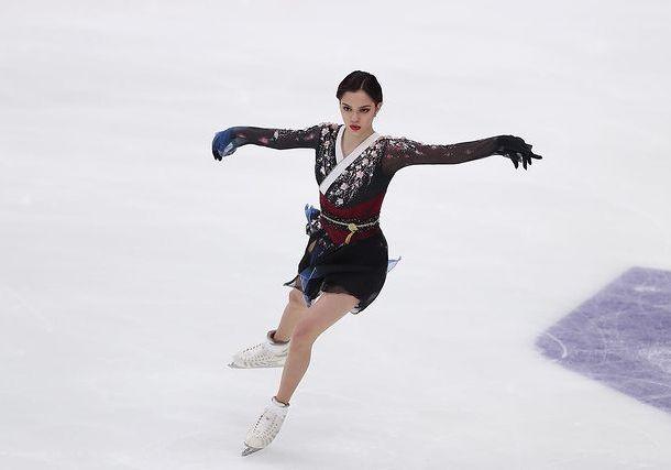 Евгения Медведева прокомментировала свое отсутствие в сборной России