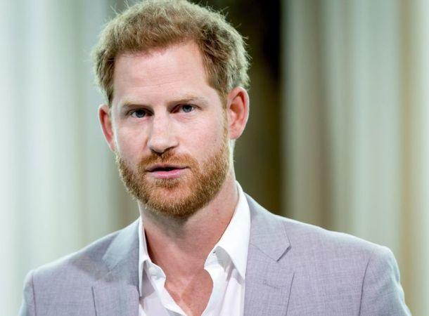 """Принц Гарри заявил, что жил в королевской семье, как """"животное в зоопарке"""""""