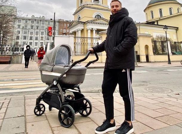 Дмитрий Шепелев рассказал о принципах, которыми руководствуется в воспитании сыновей