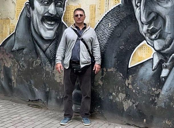 Александр Мясников вступился за Елену Малышеву, выступившую за отказ от масок