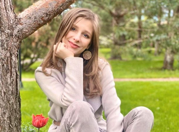 """Лиза Арзамасова """"оправдалась"""" перед Ильей Авербухом за девушку в своей постели"""