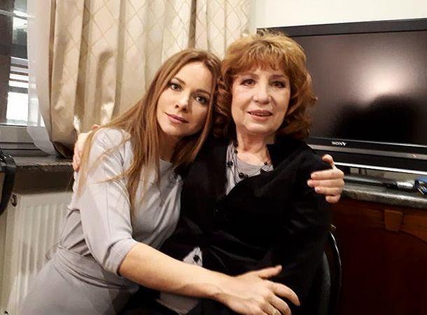 80-летняя Елена Камбурова показала, в каких условиях она живет
