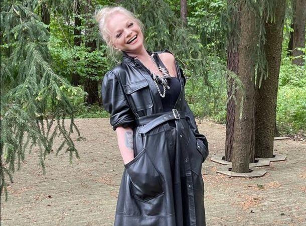 Лариса Долина повторила подростковый образ своей внучки