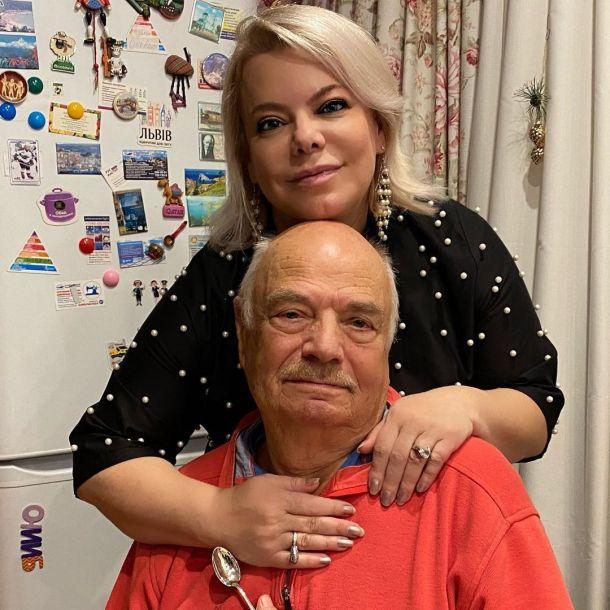 Яна Поплавская потеряла отца