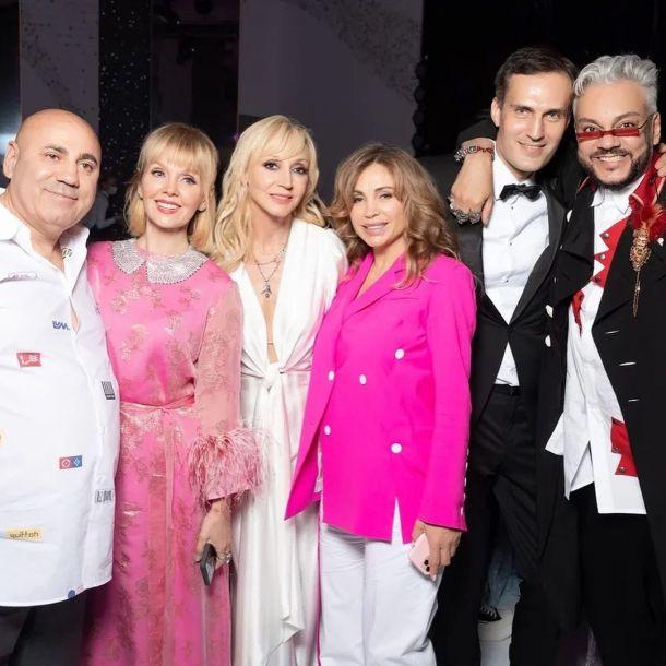 Иосиф Пригожин с женой запечатлелись с гостями Кристины Орбакайте