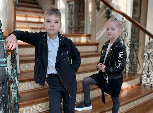 """Дети Галкина и Пугачевой устроили """"драку"""" на батуте"""