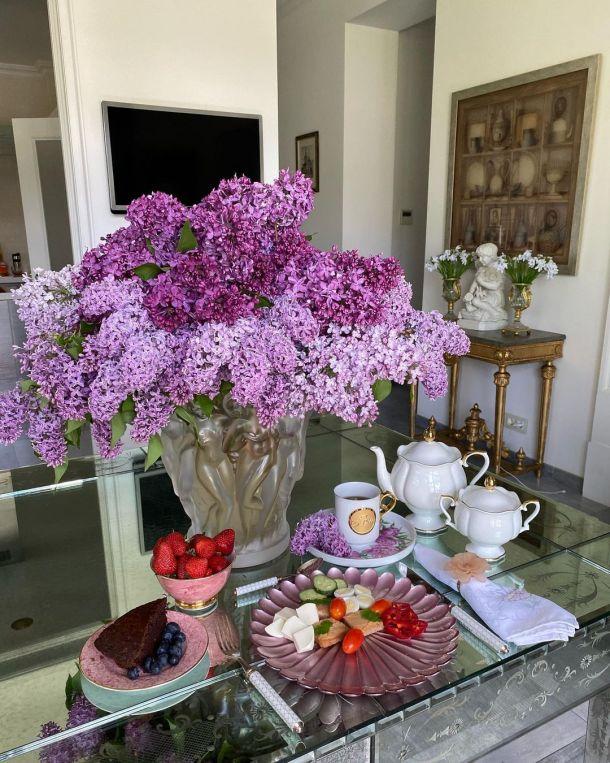 Яна Рудковская похвасталась изысканным завтраком