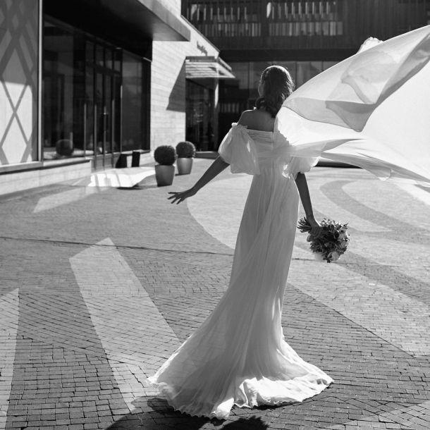 Алеся Кафельникова устроила свадебную фотосессию