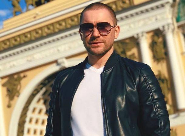 Синайский вдовец Олег Винник официально развелся