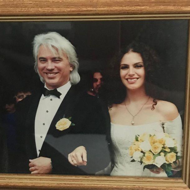 Вдова Дмитрия Хворостовского поделилась воспоминаниями о свадьбе с ним