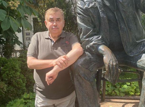 Стас Садальский раскритиковал памятник на могиле Галины Волчек