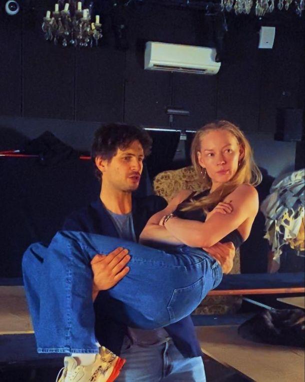 Александр Молочников пошутил над Бузовой, которая стала актрисой МХАТа