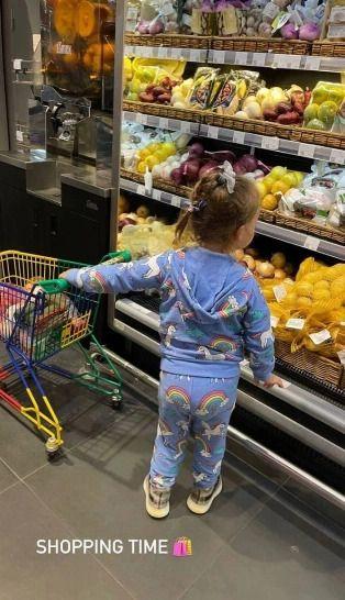 Экс-супруга Эмина показала нарядную дочь