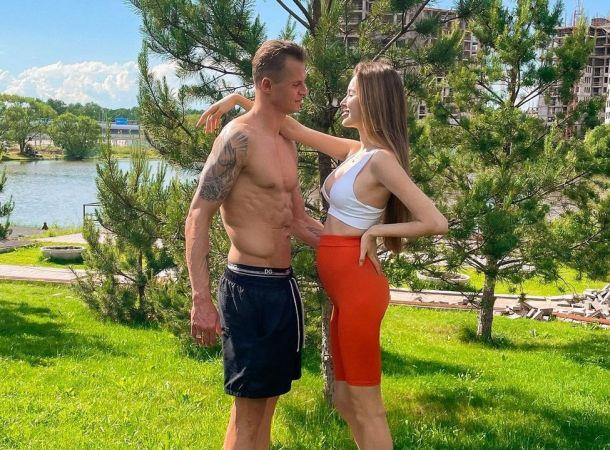Анастасия Костенко и Дмитрий Тарасов продемонстрировали интимную сцену