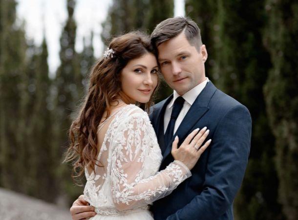 Муж Анастасии Макеевой поделился первым фото с венчания