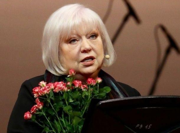 Светлана Крючкова вынуждена отказываться от некоторой работы из-за рака