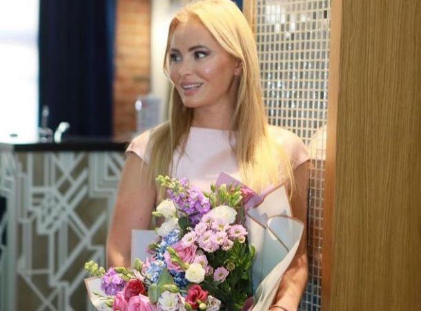 Дана Борисова увозит дочь из России