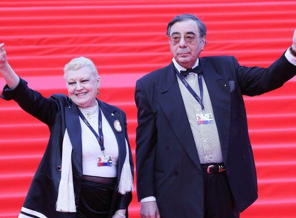Вдова Алексея Баталова требует ликвидировать благотворительный фонд Натальи Дрожжиной