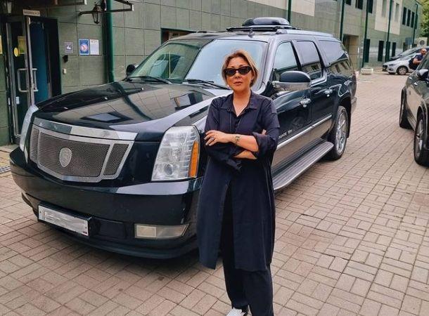 Анита Цой распродает элитное имущество