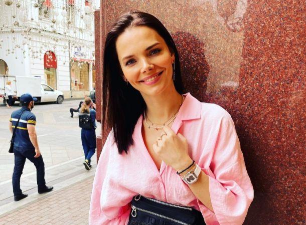 Елизавета Боярская воссоединилась с мужем спустя пять месяцев разлуки
