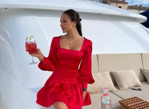 Екатерина Сафарова заработала миллионы на романе с Тимати