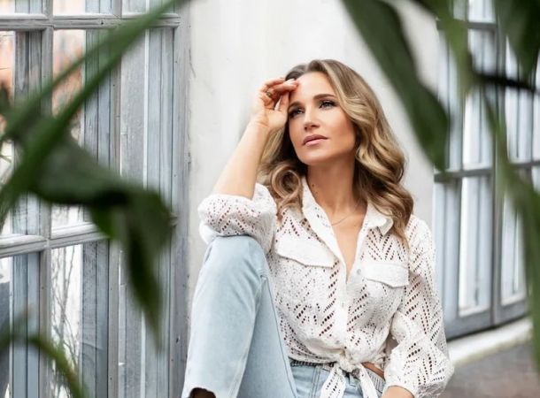 Юлия Ковальчук с новой стрижкой резко состарилась