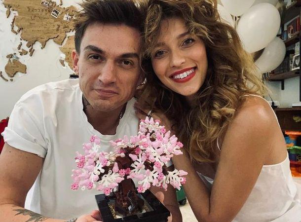 Регина Тодоренко проводит отпуск на Крите с мужем и сыном