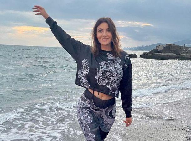 Анастасия Макеева отправилась за границу с новоиспеченным мужем