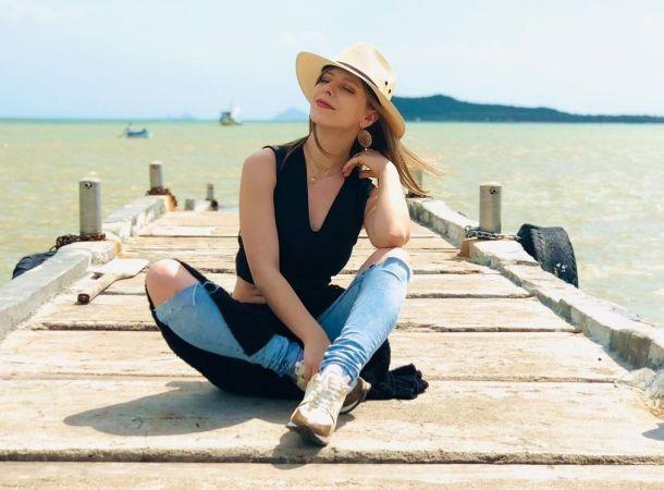 Беременная Лиза Арзамасова не смогла сдержать слез на публике